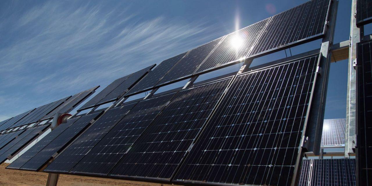 Nuevas cooperativas eléctricas en Puerto Rico podrán apostar por generación renovable e inyectarla a la red