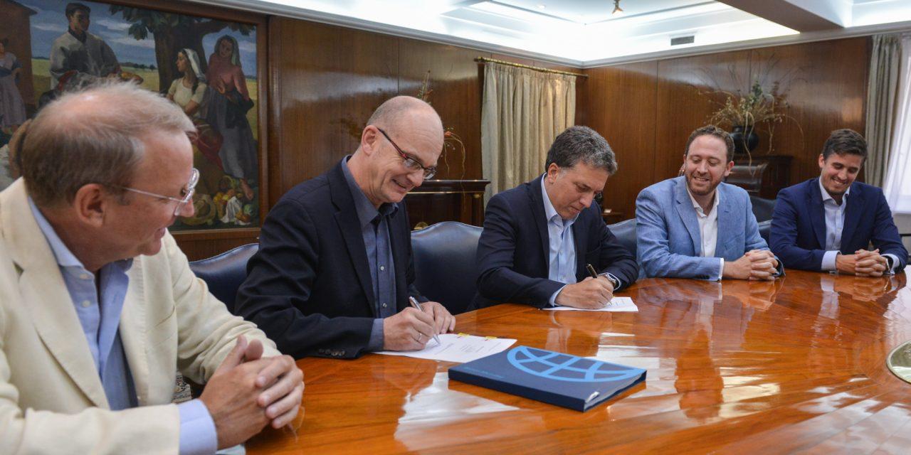 El gobierno firmó con el Banco Mundial un contrato de garantía por hasta 250 millones de dólares para licitación del RenovAr
