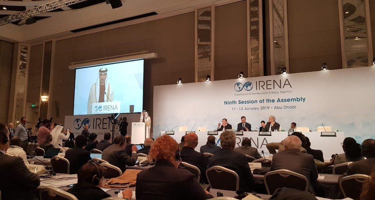 El mundo se reúne en Abu Dhabi para reafirmar los compromisos de transición hacia energías renovables