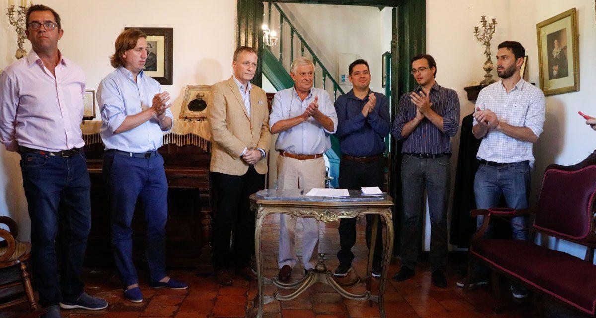 Gualeguaychú firmó el contrato para construir un pequeño parque de energía solar