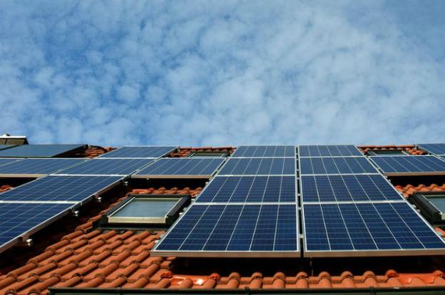 Córdoba destina $600 millones para que familias y pymes generen energía renovable