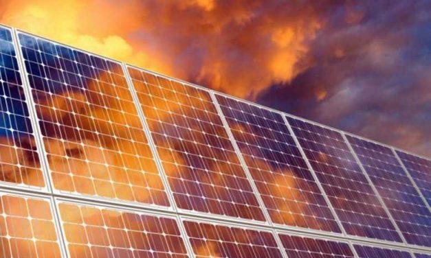 Apuesta por el sol en México: empresarios resisten en el mercado y defienden mecanismo de subasta