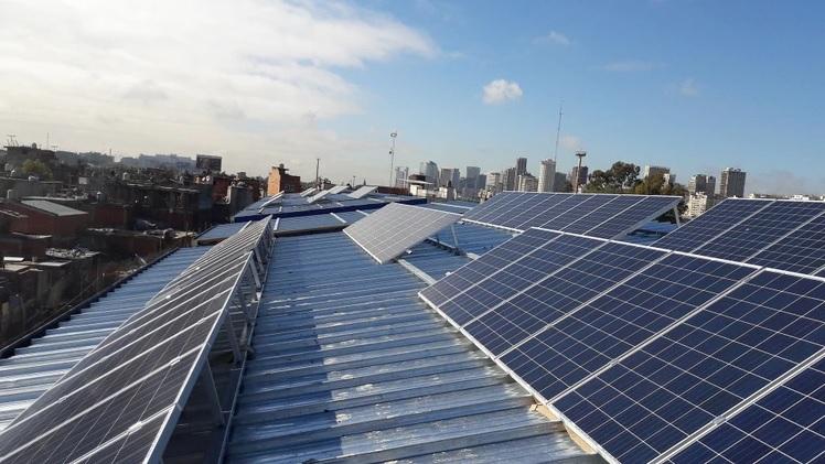 La energía renovable es más barata: 400 industrias y comercios ya firmaron contratos de abastecimiento de energía con el sector privado