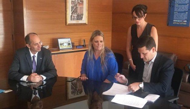 Nuevo convenio: UTE de Uruguay y EPE Santa Fe cooperarán en movilidad eléctrica y energías renovables