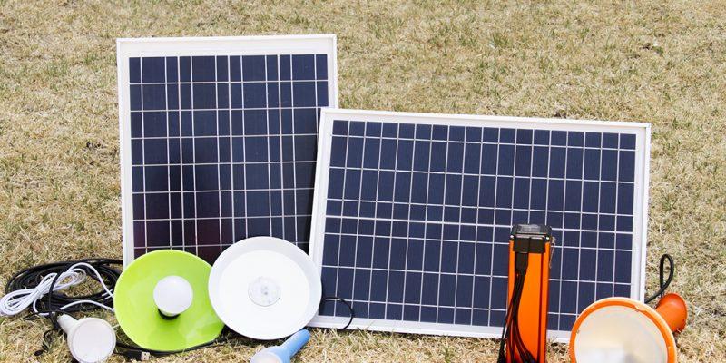 Licitación PERMER: Comité Evaluador analiza ofertas para adjudicar la instalación de 23.500 kits solares y lámparas recargables en hogares rurales