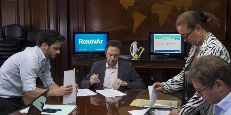 Tres proyectos de energías renovables en juego: se acerca la fecha límite para la firma de contratos de la licitación Ronda 2