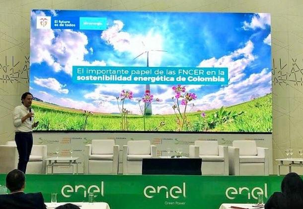 Diego Mesa expuso ante empresarios los «ejes» del Gobierno sobre la política de desarrollo del mercado de las energías renovables