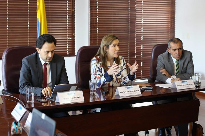 El Gobierno colombiano revisa la subasta de renovables: lanzará consulta pública mientras analiza cambios determinantes al Pliego