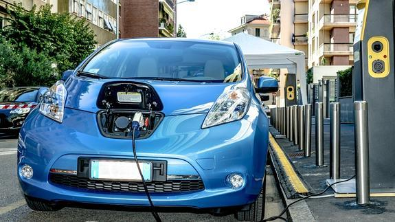 Ingeteam distribuirá a Cetil equipos de recarga en estaciones de servicio para vehículos eléctricos