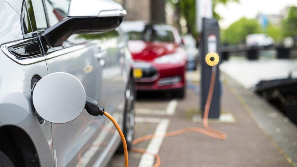 El Gobierno permite la importación de vehículos eléctricos a marcas que no fabrican en Argentina