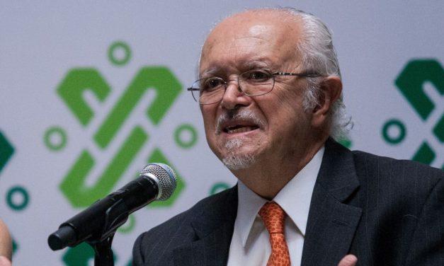 Premio Nobel exige acelerar el desarrollo de energías renovables: el plan que presento al Gobierno