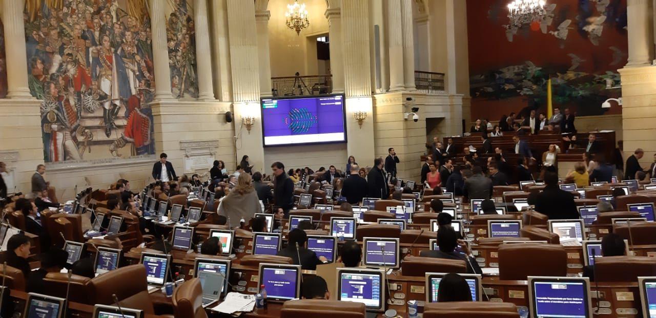 Beneficios fiscales y de inversión: una por una, las medidas que aprobó el Congreso de Colombia para incentivar energías renovables