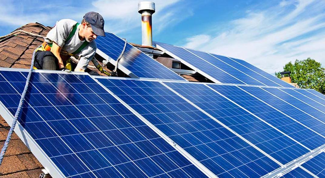 Cómo son los incentivos fiscales en generación distribuida que lanzó el Gobierno para promocionar energías renovables