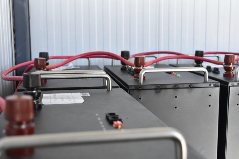 Jujuy anuncia que construirá una central fotovoltaica de 2.5 MW con almacenamiento para transformar en híbrida la térmica a gas que abastece a la Quiaca