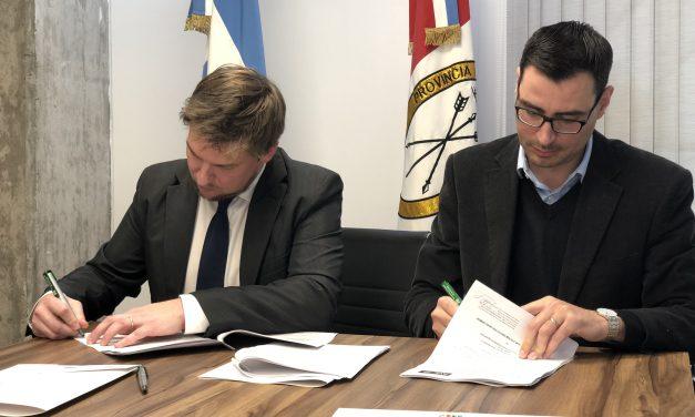 La primera experiencia en el país: Santa Fe firmó el contrato para la compra de una pila de combustible