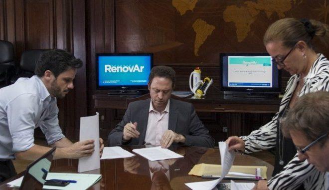 """Contratos firmados: """"Un eventual cambio de autoridades no debiera afectar la seguridad jurídica de los proyectos de RenovAr"""""""