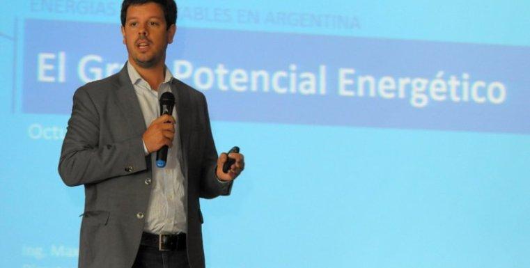 Morrone defiende al desarrollo de las energías renovables y el gas natural como una ecuación perfecta