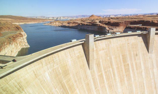 CFE invertirá en la repotenciación de diez hidroeléctricas y en la modernización de tres represas adicionales