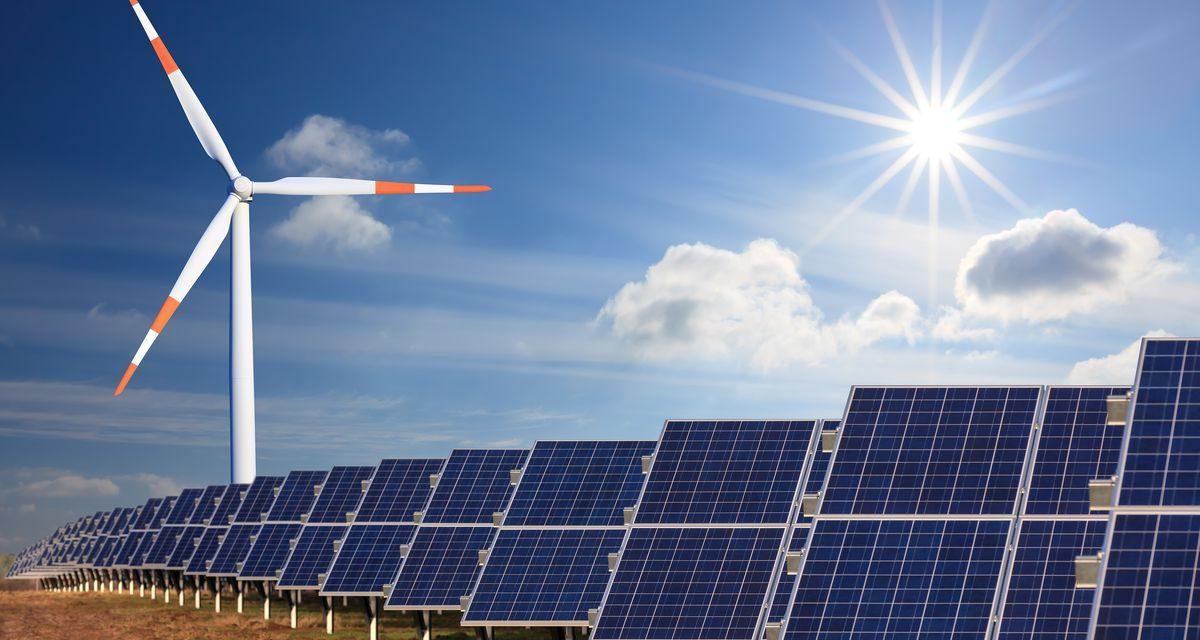 Firmas locales e internacionales se disputan contratos tras presentar más de 4.700 MW en la subasta de renovables en Colombia