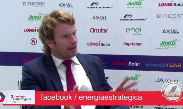 Escobar de Acciona analizó la subasta en Colombia y proceso de descarbonización en Chile