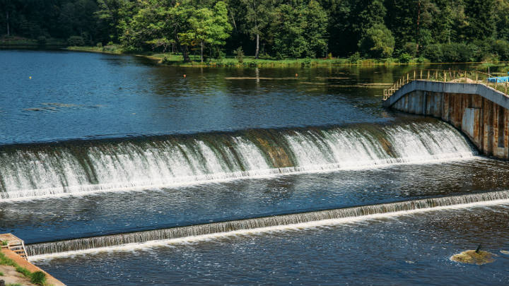 CIFI estructura el financiamiento para la construcción de una planta hidroeléctrica de 10 MW en Ecuador