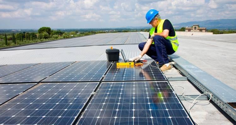 Por inflación, el Gobierno actualizó el monto del certificado de crédito fiscal de generación distribuida con energías renovables