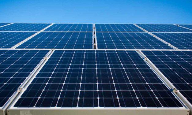 Latinoamericana de Energía tendrá operativos dos parques solares que venderán energía a grandes usuarios a fin de año