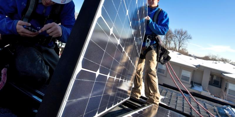 Nueva capacitación de solar fotovoltaica: Multiradio y Jinko Solar lanzan webinar sobre calidad de productos y buenas prácticas