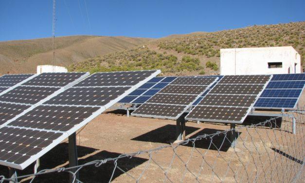 Anulación y cambios: el Gobierno argentino reprograma licitación para cinco plantas de generación fotovoltaica y eólica con baterías