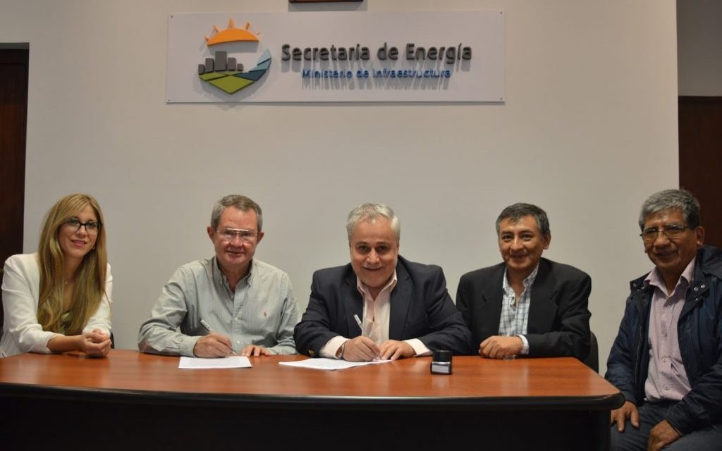 Jujuy firma convenio con instituto para formar técnicos en energía solar