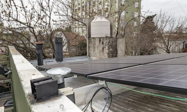 Fallo ejemplar en Colombia: análisis legal sobre la fuerte multa a una distribuidora por obstaculizar conexiones fotovoltaicas