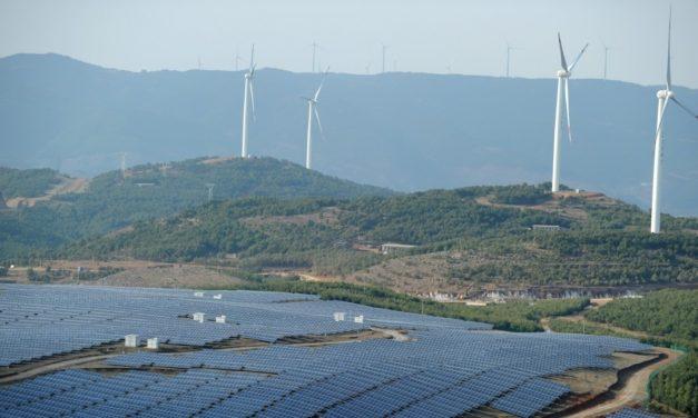 México frena la puesta en marcha de nuevas centrales de energía renovable por el COVID-19