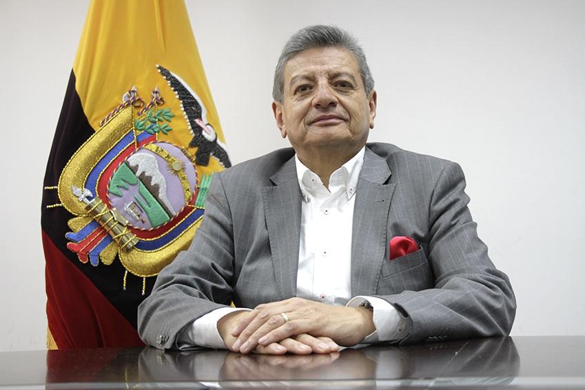 Gonzalo Uquillas asume como Viceministro de Electricidad y Energía Renovable de Ecuador