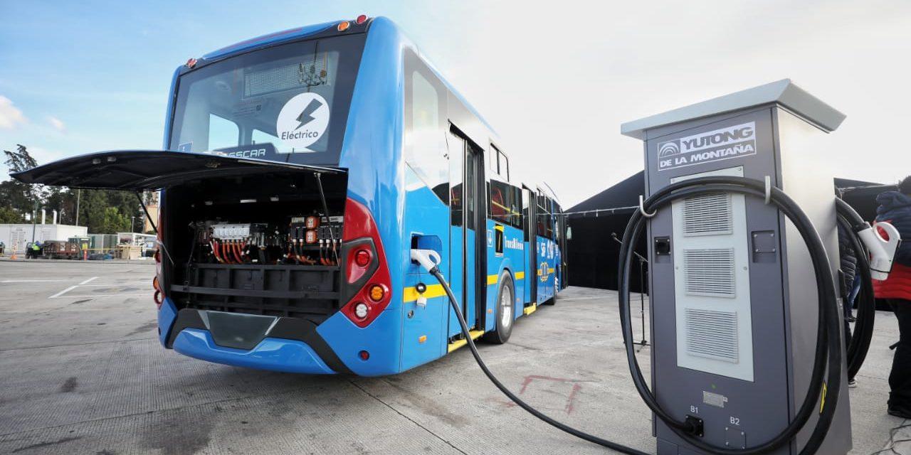 Aprovechando políticas de quita de aranceles e IVA, Bogotá incorpora más de 450 buses eléctricos