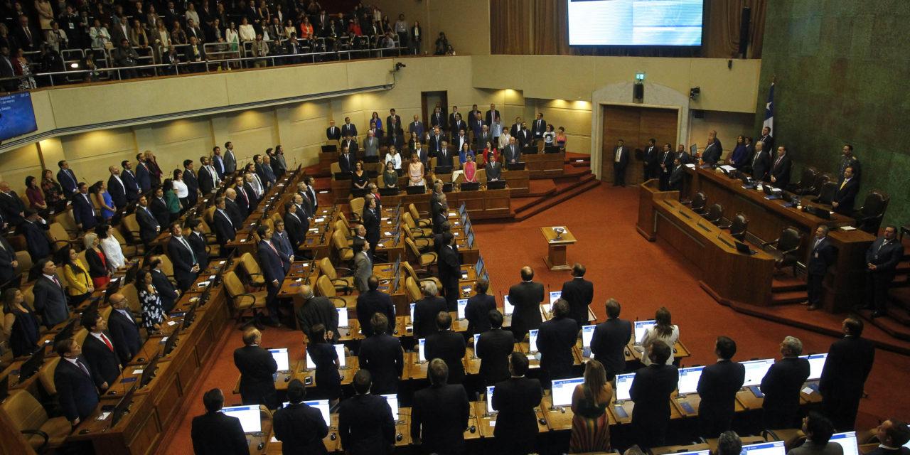 Chile aprueba ley que reduce la rentabilidad de las distribuidoras de energía eléctrica