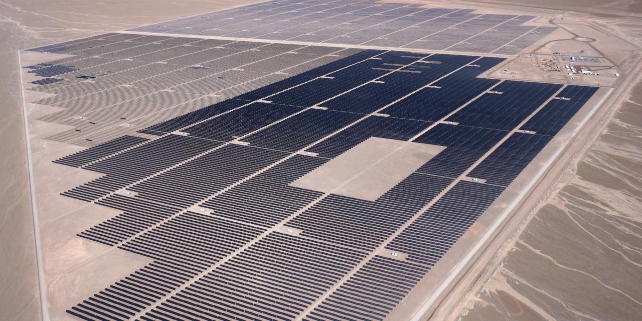La estrategia de First Solar para posicionar negocios con módulos CdTe y abrir el mercado de servicios complementarios en Chile