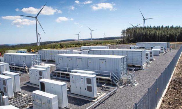 Adjudicatarios de energías renovables en Colombia incorporarían almacenamiento en baterías para cumplir sus contratos