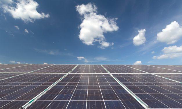Drivers que llevaron a la generación renovable a duplicarse en 5 años en Chile: subastas, tecnología y competitividad del mercado