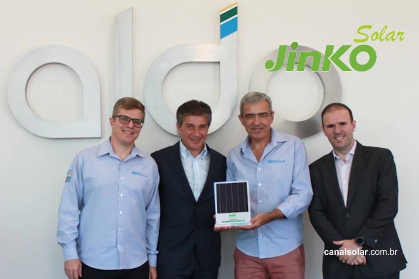 Con gran expectativa por el desarrollo de la distribuida Aldo Solar cerró contrato con Jinko para distribuir módulos en Brasil