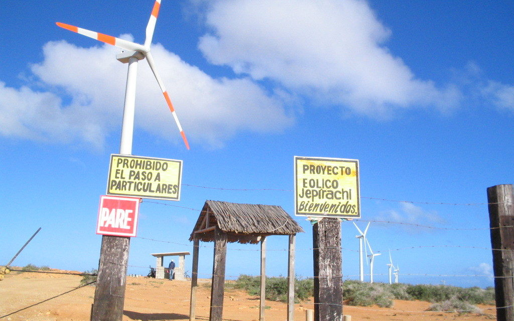 El Gobierno de La Guajira evalúa aplicar el cobro de regalías a proyectos eólicos y solares