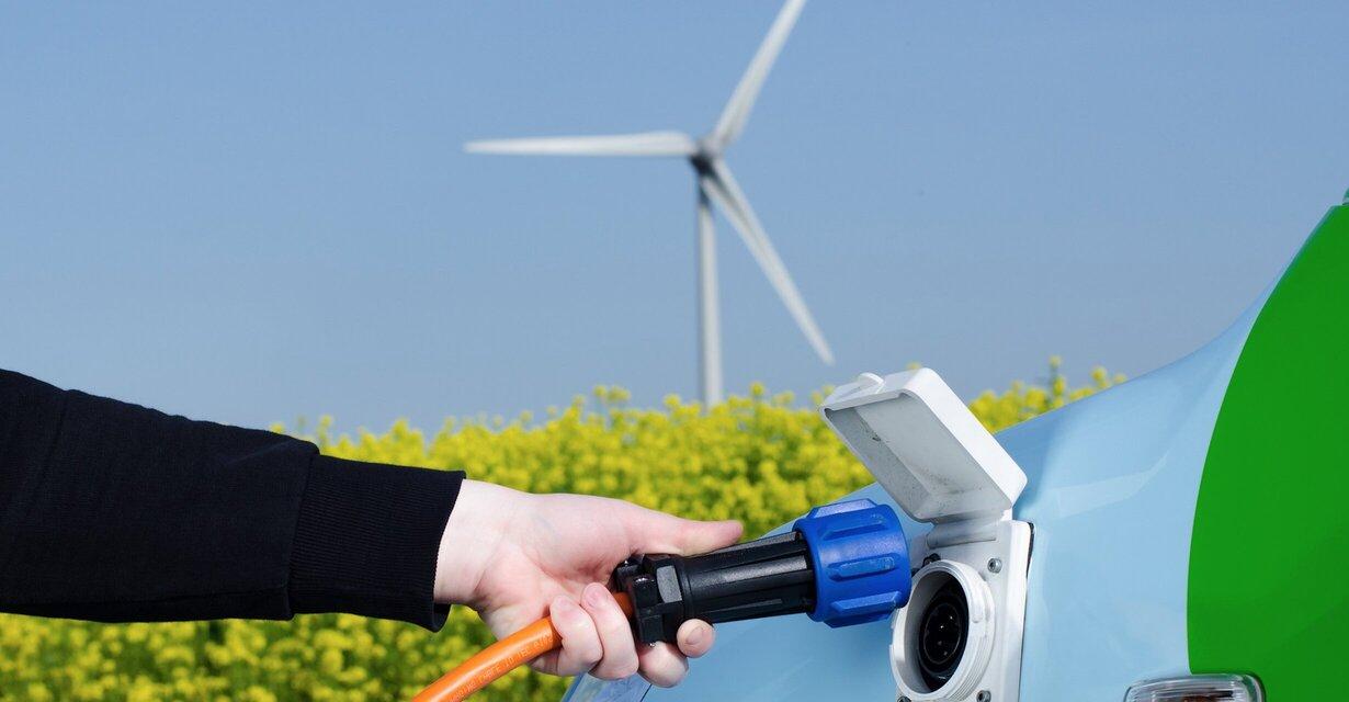 ICM llama a retomar la ruta de descarbonización en México acelerando la adopción de vehículos eléctricos y energías renovables