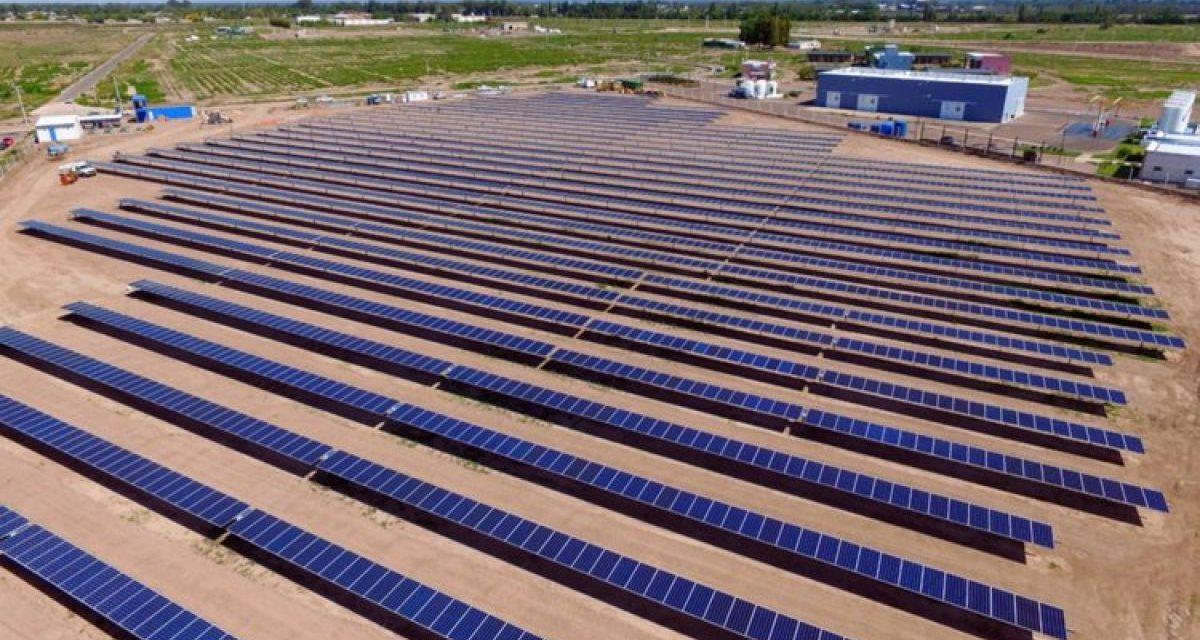Mendoza se alinea con el Gobierno nacional para avanzar con sus parques solares por 95 MW adjudicados en el RenovAr