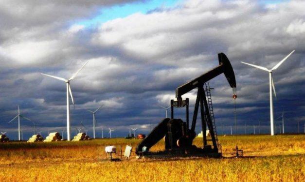 Cómo impacta la caída del precio del petróleo en las inversiones de energías renovables en Latinoamérica