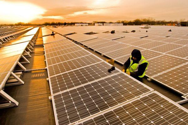 Casi 700 MW solares fotovoltaicos deberían entrar en funcionamiento durante este año en Argentina