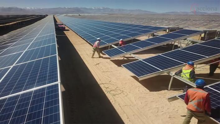 En medio de la crisis económica dos empresas argentinas presentaron parques solares para contratos privados con grandes usuarios