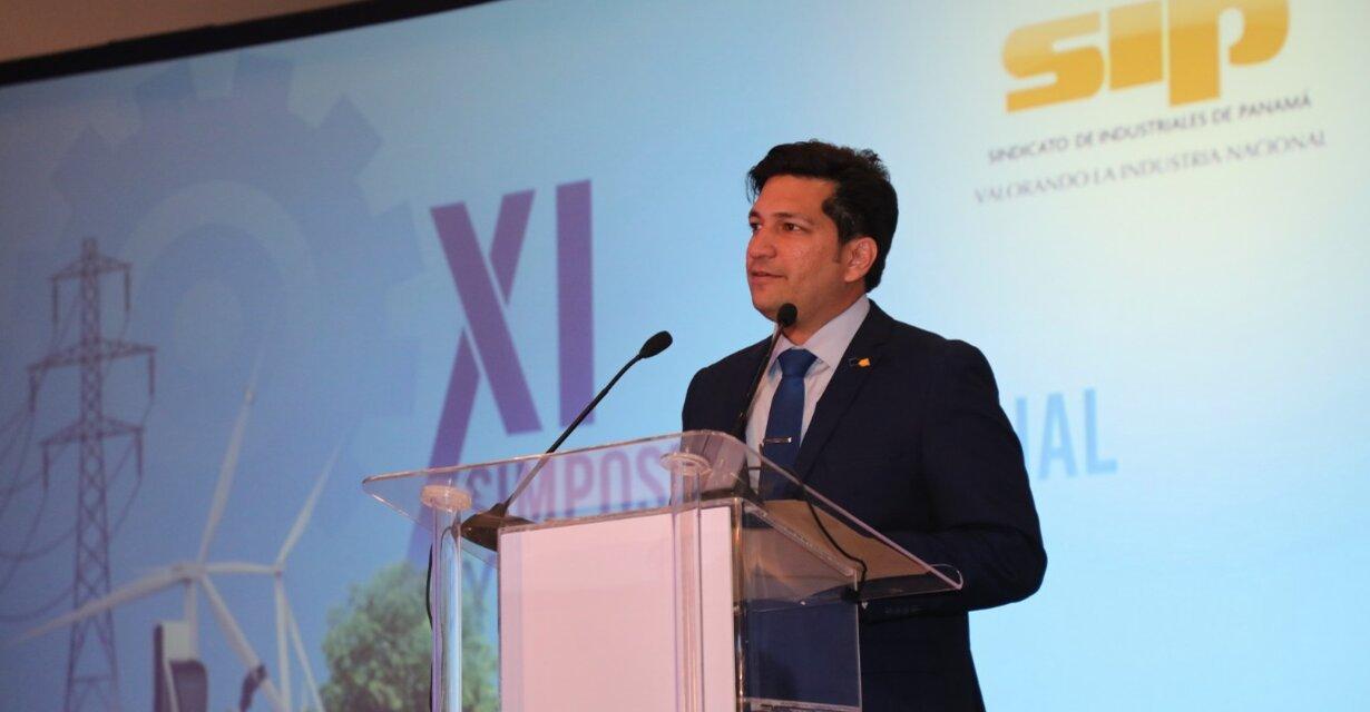 Peligra el crecimiento de las energías renovables en Panamá por la suspensión temporal de nuevos contratos con Grandes Clientes