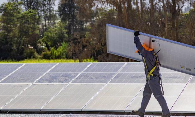 El 46% de los proyectos de generación eléctrica declarados en construcción en Chile son de tecnología solar fotovoltaica