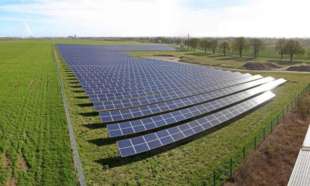 Media escala: Empresarios reclaman regulaciones para la construcción de energías renovables de hasta 20 MW en Colombia