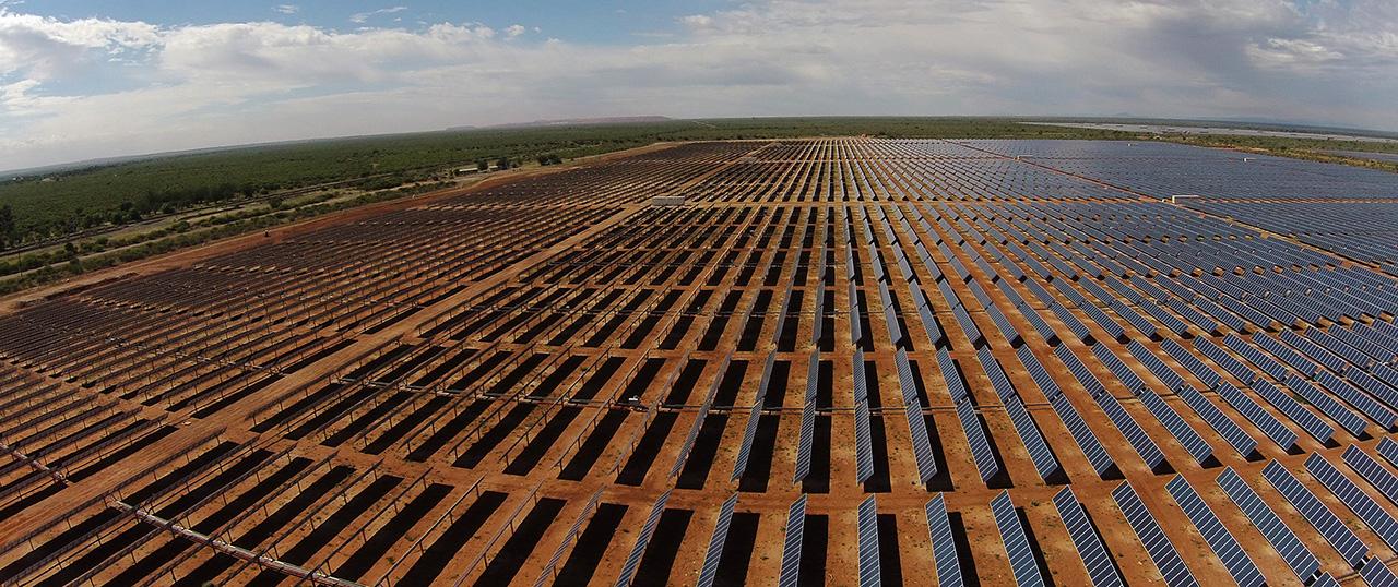 Rafael Mateo de Acciona consideró que el precio de los paneles solares permanecerá bajo por efecto del Coronavirus