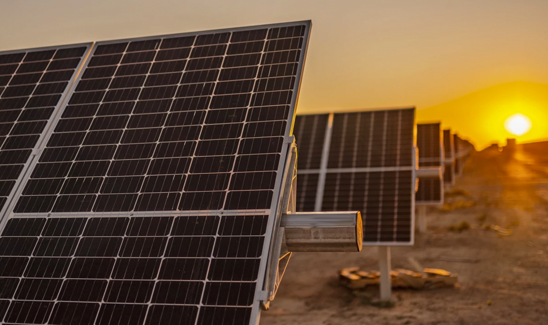 Un nuevo informe muestra con datos cómo se frenó la fotovoltaica en México